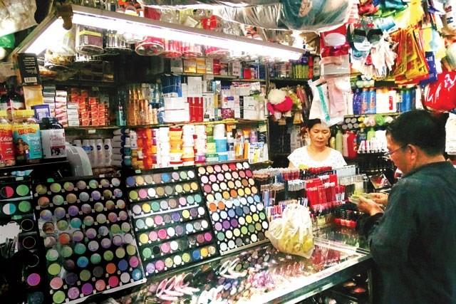 Khai tử 22.000 loại mỹ phẩm chứa 5 loại dẫn chất gây ung thư