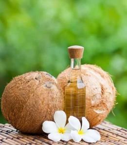 Phương pháp trị rụng tóc bằng tinh dầu dừa nguyên chất